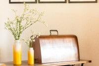 Recycling-DIY-Vasen in fröhlichem Gelb