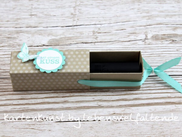 lippenstift ziehverpackung box tolles kleines. Black Bedroom Furniture Sets. Home Design Ideas