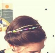 DIY Papierperlen-Haarband aus alter Zeitung