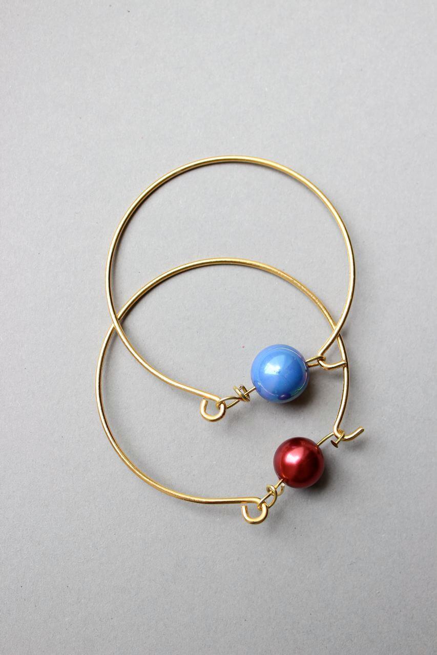 Diy perlenarmband in gold aus draht handmade kultur - Perlenarmband basteln ...