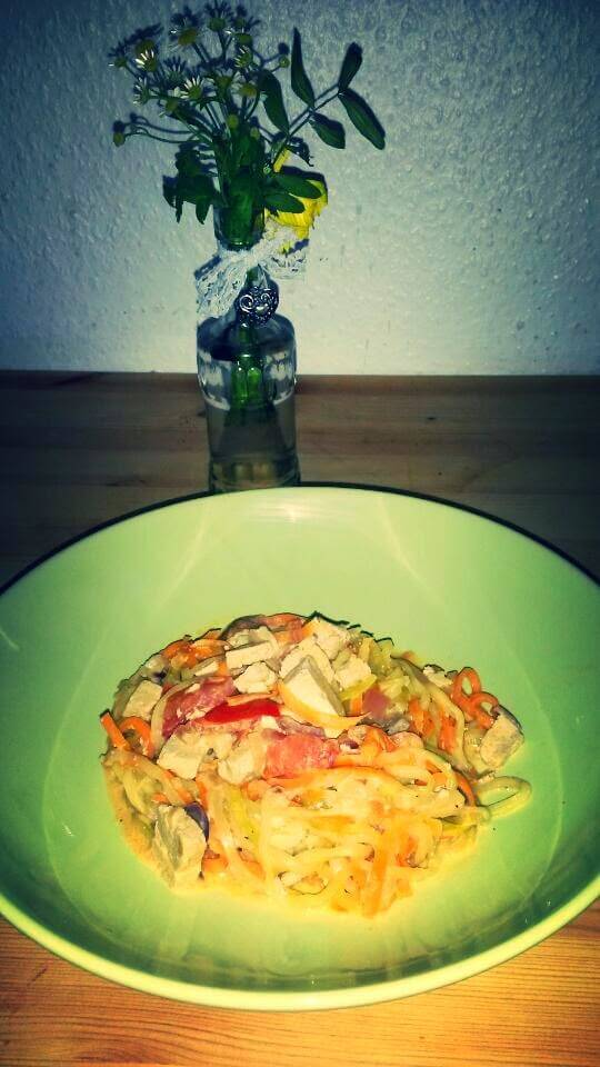 Zucchini-Möhren-Spaghetti