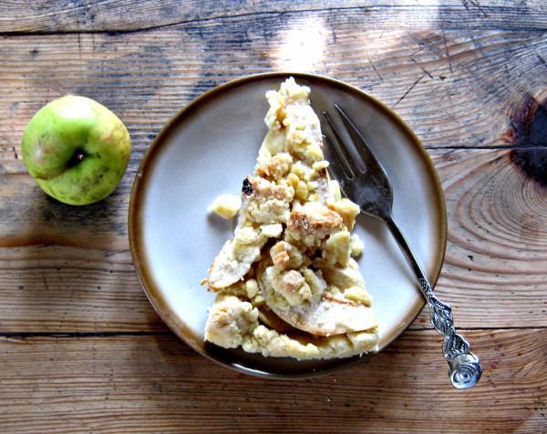 Apfelkuchen auf süßem Mürbeteig