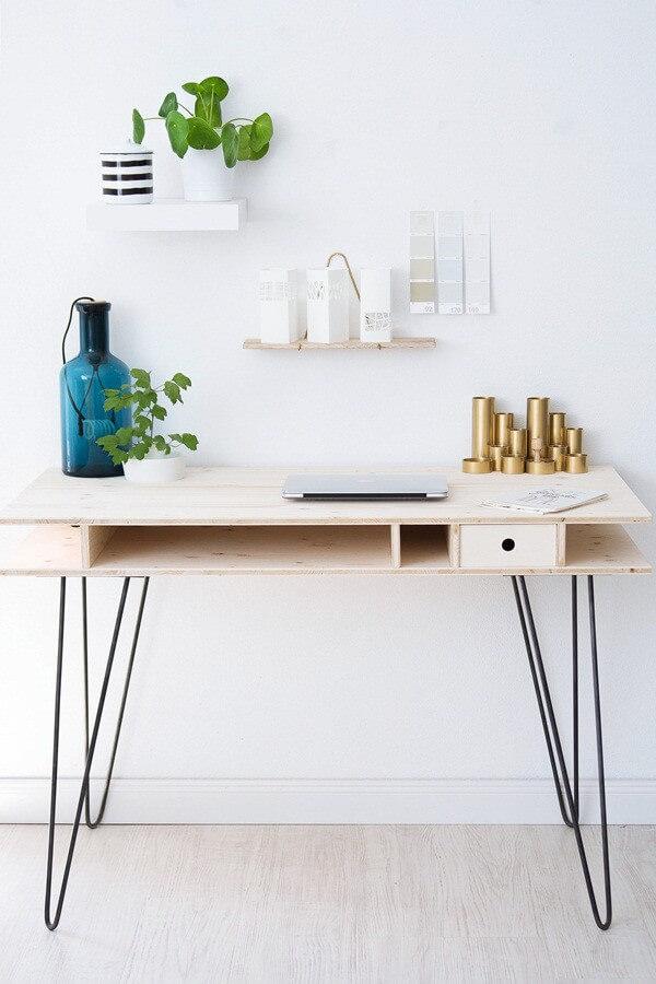diy schreibtisch mit hairpin legs. Black Bedroom Furniture Sets. Home Design Ideas