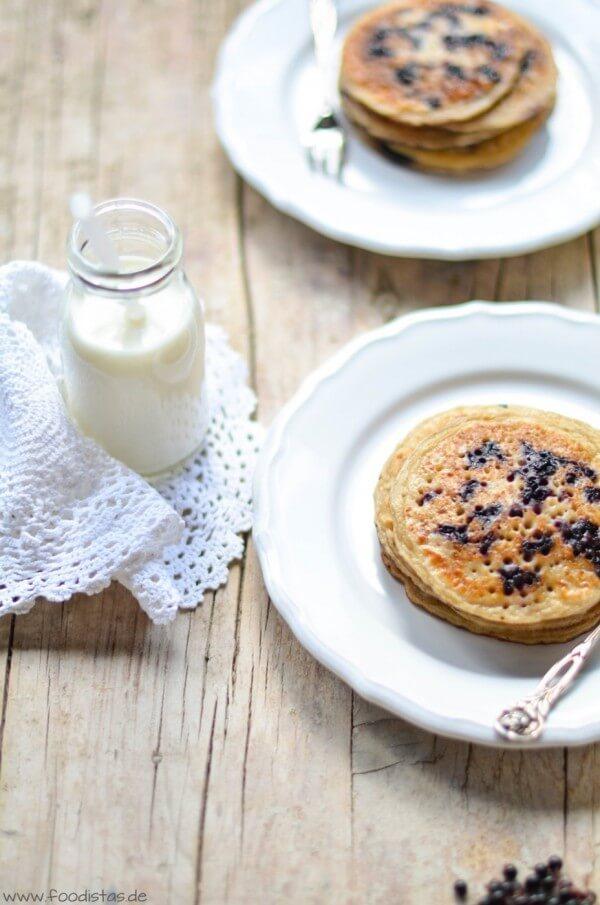 Holunderbeeren-Pancakes von den [Foodistas]
