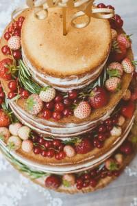 Very Berry Wedding Cake von den [Foodistas]