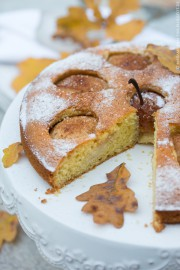 Herbstlicher Birnen-Rosmarin-Kuchen