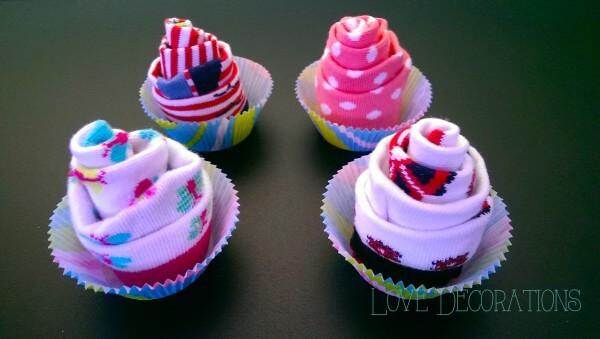 Cupcake aus Babysöckchen