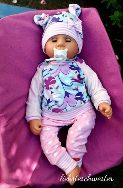Neues Outfit für unsere Mädchen Babypuppe