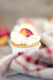 Pflaumen-Cupcakes mit Mandeltopping von den [Foodistas]