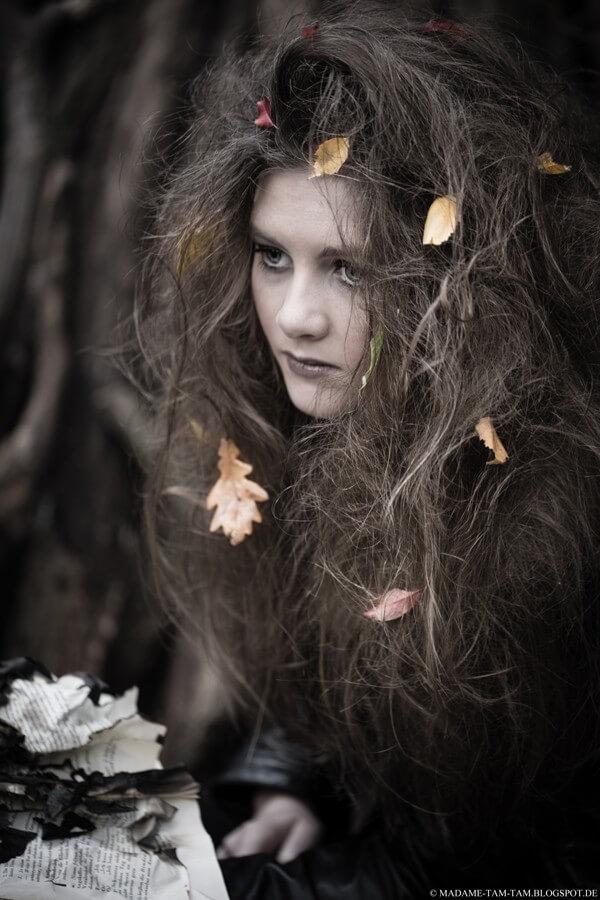 Die schnellste Hexenfrisur für Halloween