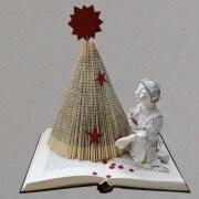 DIY: Weihnachtsbaum aus Buch falten