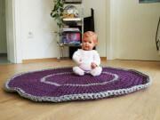 I'am not perfect: Häkelteppich aus Textilgarn
