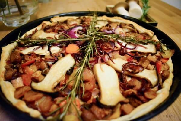Quiche me, Darling! Blätterteig-Quiche mit Kräuterseitlingen