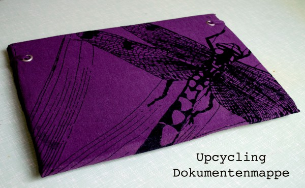 Upcycling - Dokumentenmappe aus Shirts und Karton