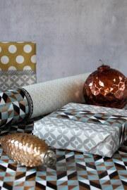 Geschenke verpacken mit Muster-Mix
