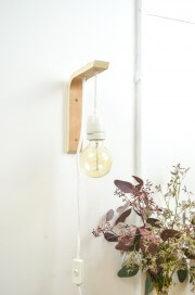 Ein Winkel wird zur Lampe