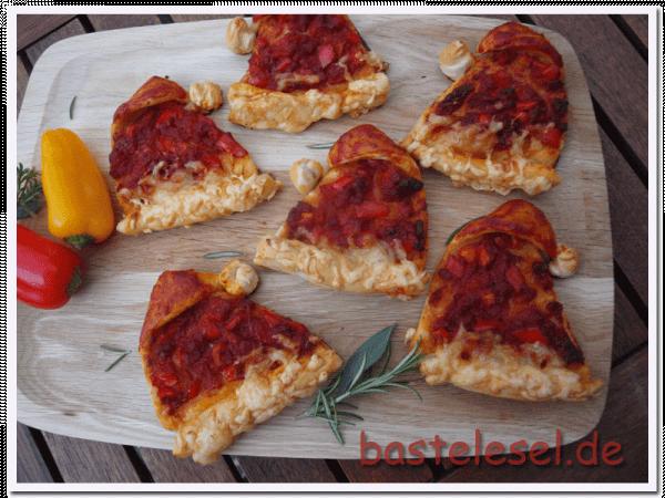 Pizza-Weihnachtsmannmützen