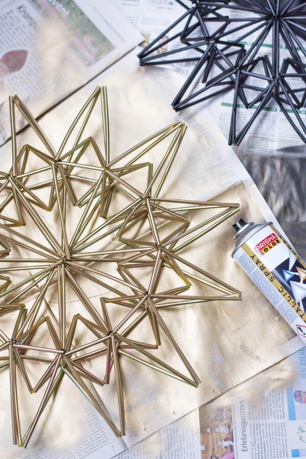 basteln mit trinkhalmen finest plastik kunst strohhalme. Black Bedroom Furniture Sets. Home Design Ideas