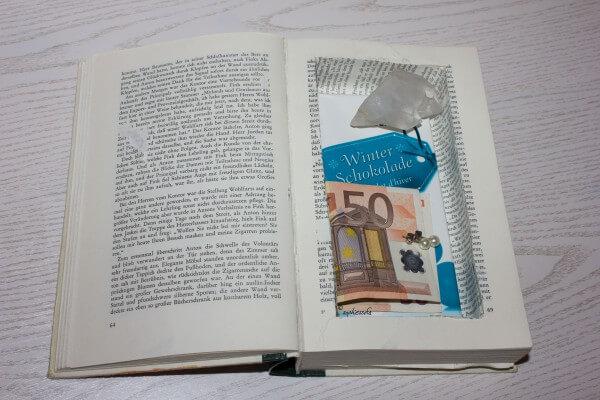 Bücherversteck - Geld und Schmuck sicher im Buch