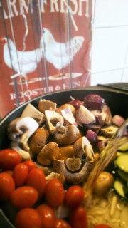 Auflauf aus One-Pot-Pasta (mit veganer Alternative)