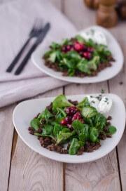Karamellisierte Cranberries auf Feldsalat von den [Foodistas]