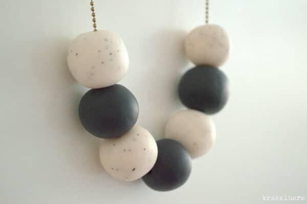 Minimalistische Perlenkette aus Fimo