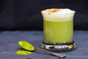 Matcha mit Mandelmilch - nicht nur die Farbe ist ein Hit...
