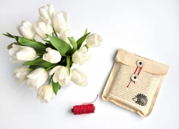 #12giftswithlove - Geschenk mit alten Buchseiten