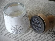 Schneeflocken aus Verpackungsmaterial