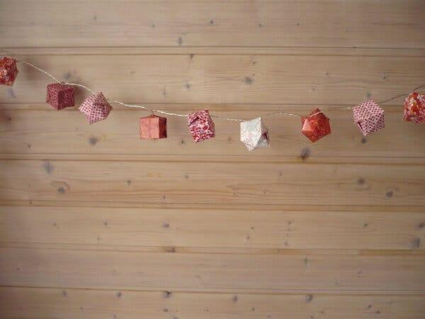 Eine Origami-Lichterkette