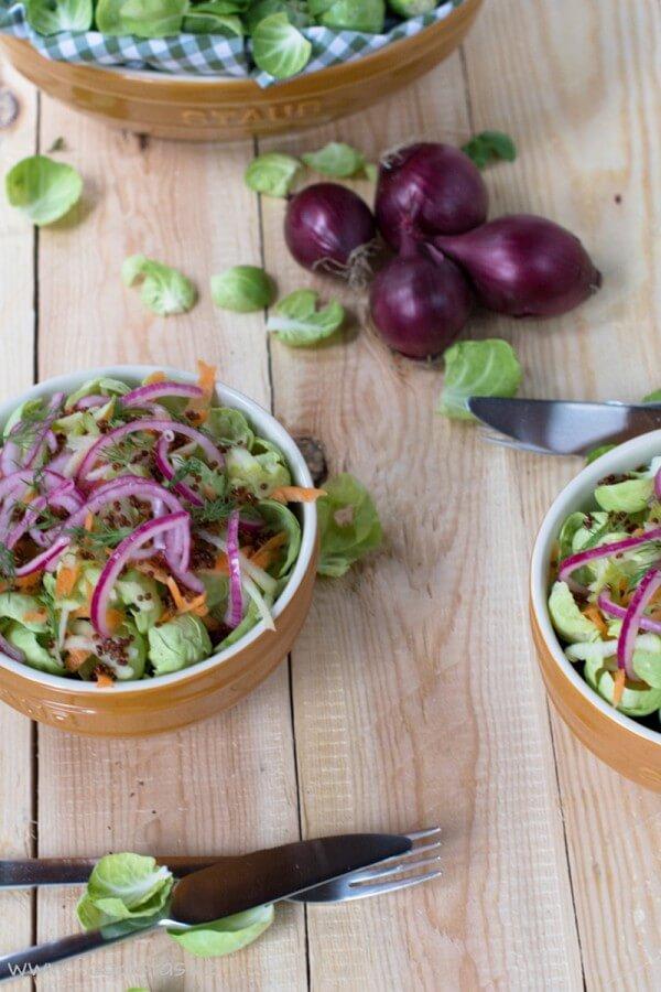 Rosenkohlsalat mit Quinoa