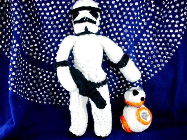 Trefft BB8 - kostenlose Häkelanleitung für alle Fans von Star Wars!