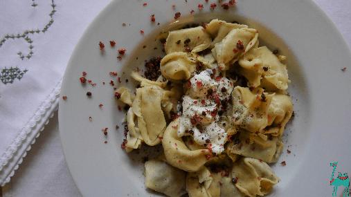 Selbstgemachte Grünkohl Tortellini