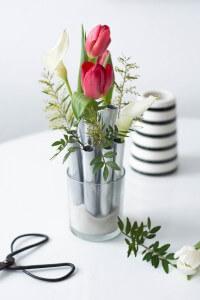 Elegantes Vasen Ensemble aus Reagenzgläsern