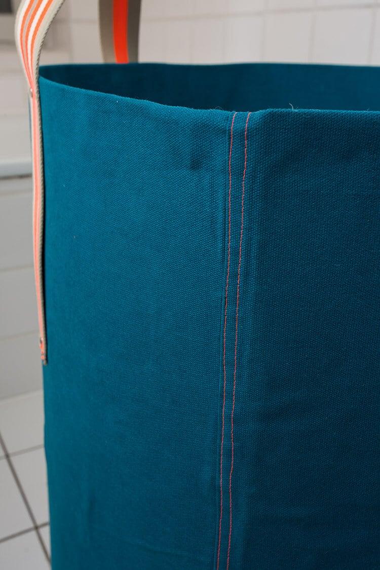 es ist waschtag und das ist unser cooler waschsack handmade kultur. Black Bedroom Furniture Sets. Home Design Ideas