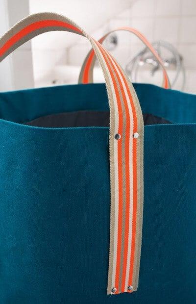 es ist waschtag und das ist unser cooler waschsack. Black Bedroom Furniture Sets. Home Design Ideas