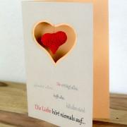 DIY Valentinskarte mit Häkelherz - das perfekte Valentinsgeschenk