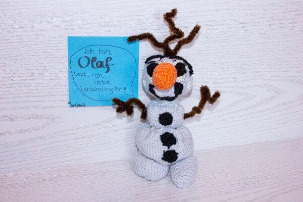 Olaf - der niedliche Schneemann aus Frozen gehäkelt
