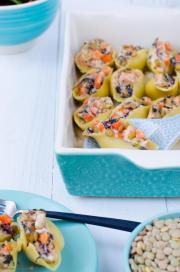 Gefüllte Muschelnudeln mit Linsen, Süßkartoffeln und Mangold von den [Foodistas]