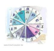große runde Uhr mit 24 Stunden Anzeige