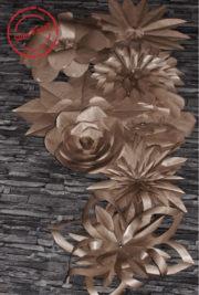 Dekorieren mit riesigen Papierblumen