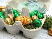 Kleines Ostergeschenk im Eierkarton