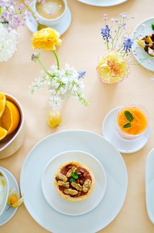 Karamellisierte Grapefruit und geeister Möhren-Apfel-Orangen-Saft von den [Foodistas]