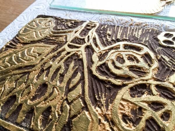 Linoldruck auf Papier und Stoff