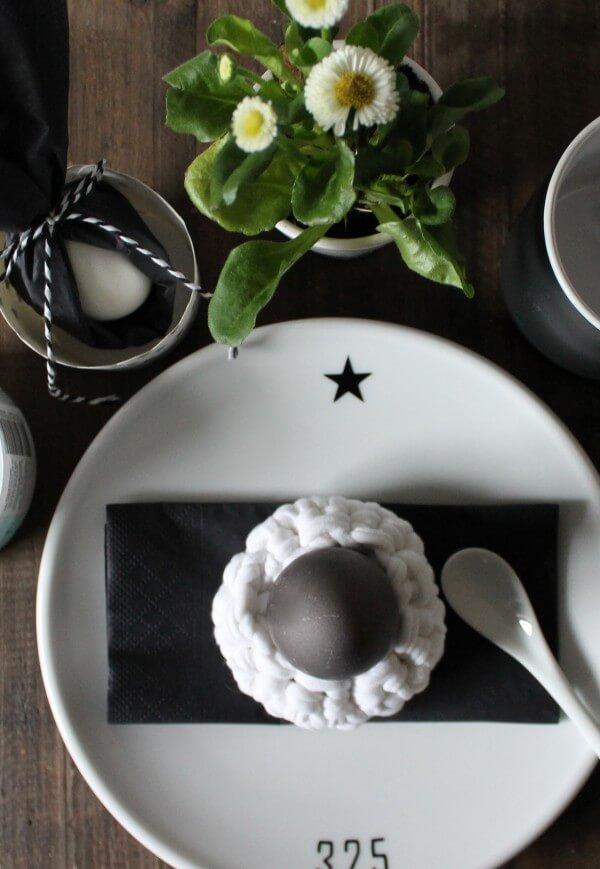 graue eier f rben ganz nat rlich handmade kultur. Black Bedroom Furniture Sets. Home Design Ideas