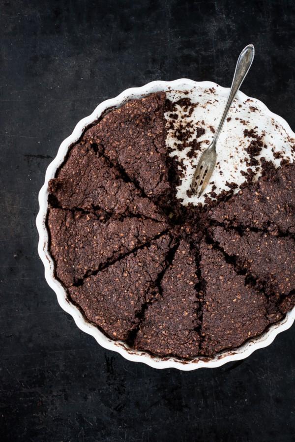 Saftiger Schokoladenkuchen mit Möhren und Mandeln