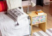 DIY Nachttisch mit Briefmarken