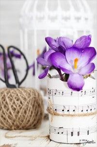 Blumentöpfe mit Notenblättern