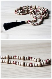 Boho-Schmuck selbstgemacht: Quastenkette aus Holzperlen