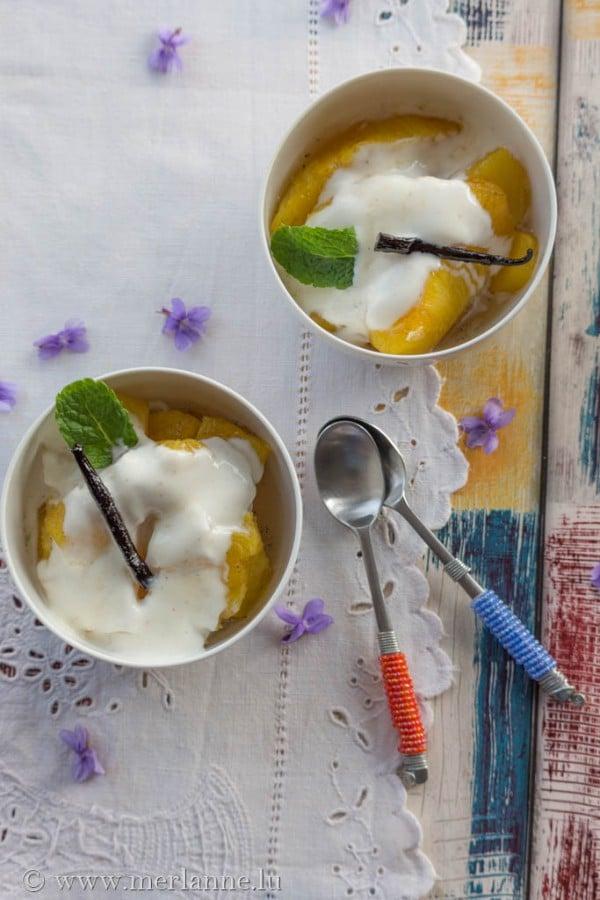 Karamellisierte Ananas mit Vanillejoghurt